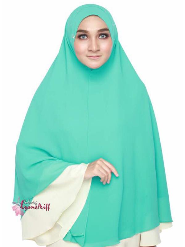 Umrah Banner: Syria Lyana Spring Green