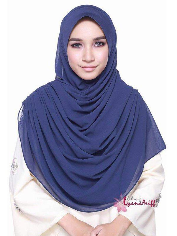 Umrah Banner: Twist Lyana Midnight Navy